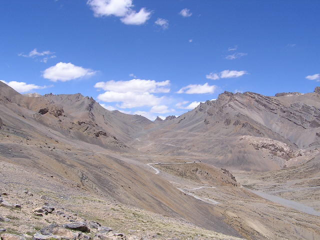 View up the Lachlang La